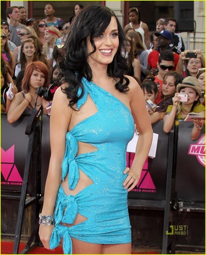 Katy Perry Hintergrund called 06.20.10: 2010 Much Musik Video Awards
