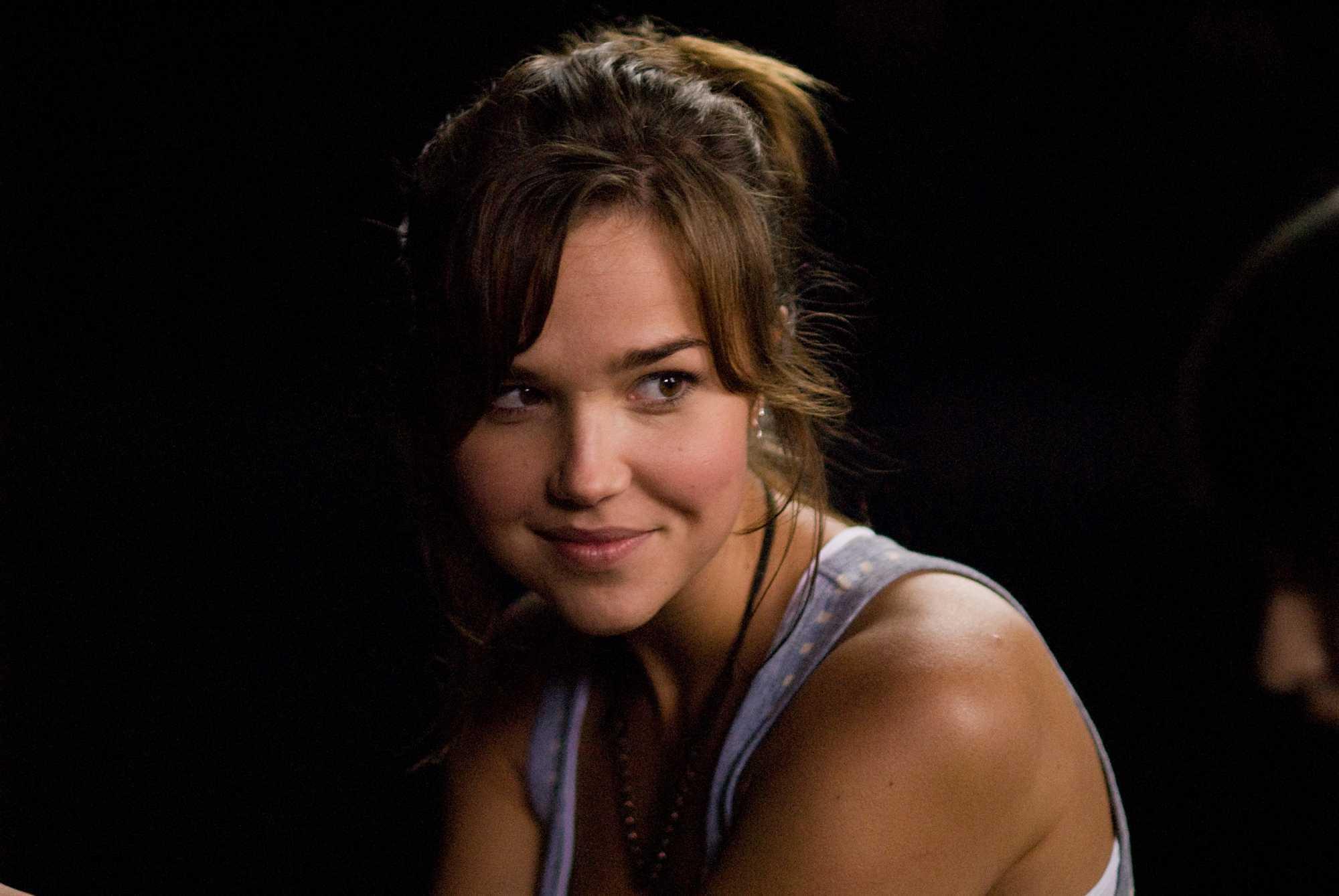 Arielle Kebbel - IMDb