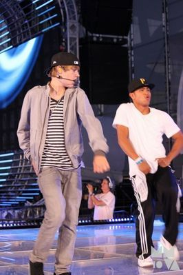 Candids > 2010 > June 19th - Rehearsing For The MuchMusic Awards
