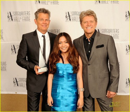 Charice Pempengco wallpaper entitled Charice Honors David Foster