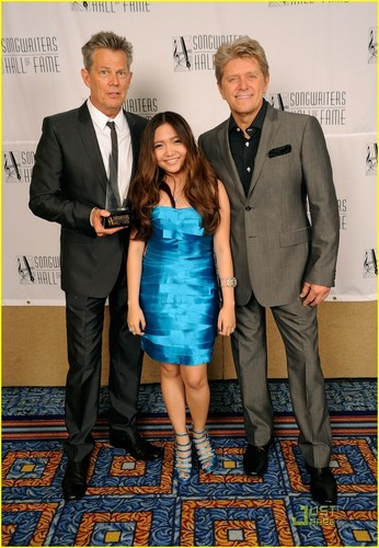 Charice Pempengco wolpeyper titled Charice Honors David Foster