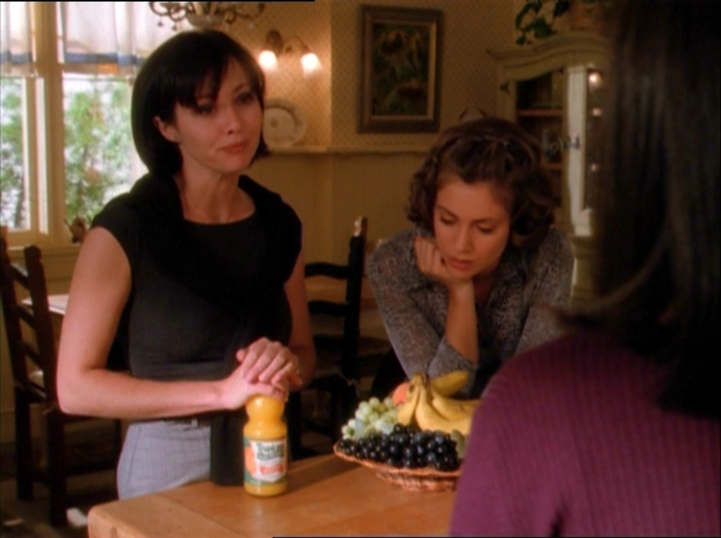 dead man dating charmed cast Favorite episodes: season one edition the charmed cafe welcome celebration 20th anniversary rewatch charmed  throughout the seasons season 1 season 2 season 3  dead man dating.