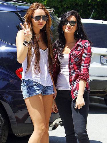 Demi Lovato And Miley Cyrus