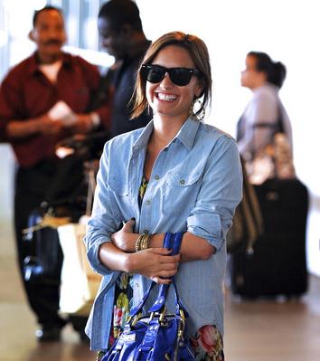 Demi Lovato At The Airport