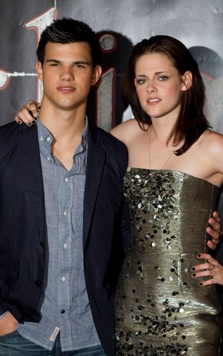 "Kristen Stewart and Taylor Lautner promoting ""Eclipse"" in Sweden (June 21)."