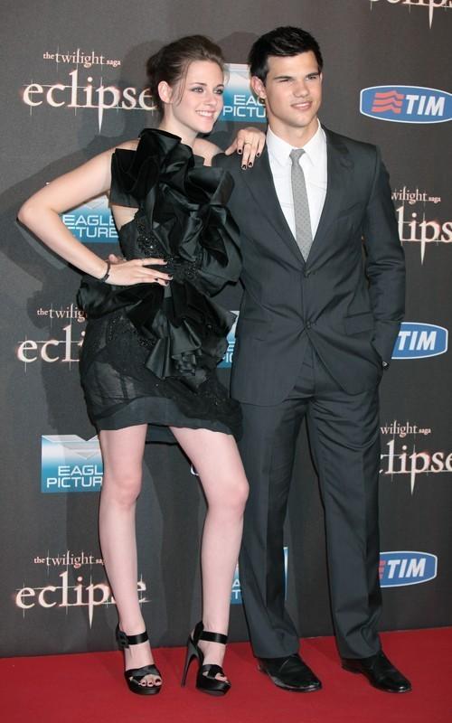 Kristen&Taylor @ Eclipse premiere - Rome - June 17, 2010