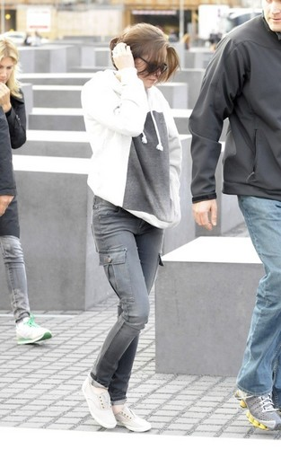 Kristen out in Berlin - twilight-series Photo