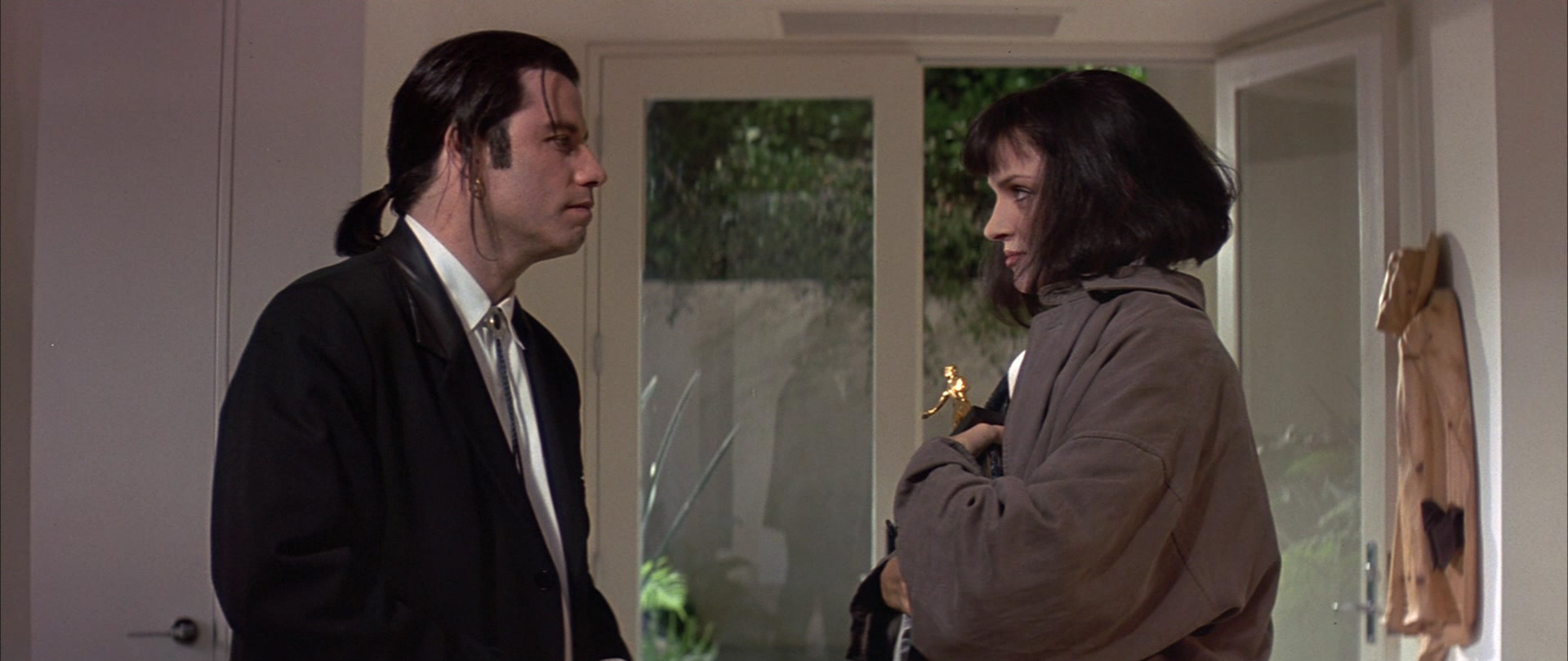 summary of pulp fiction essay Structure of pulp fiction: method in the pulp fiction is made better than it would have been if tarantino had made any one of the three stories within it into its.
