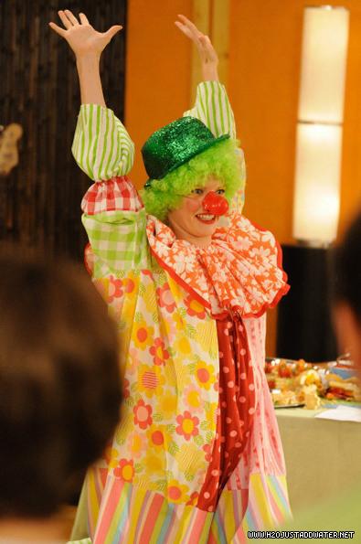 rikkio the clown - h2o-just-add-water photo