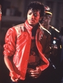 * JUST BEAT IT * - michael-jackson photo
