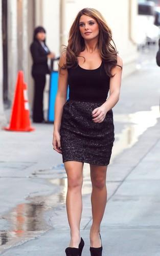 Ashley arriving @ Jimmy Kimmel Live 23.6.2010