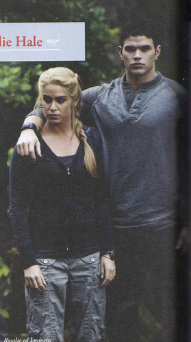 Emmett and Rosalie Pic from 'Eclipse Offical Illustrated Movie Companion'