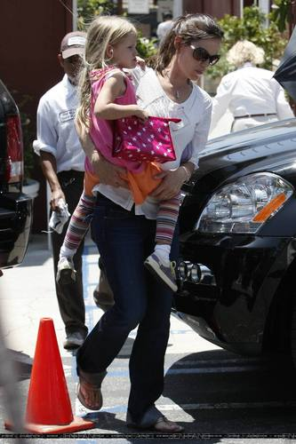 Jen and tolet, violet Out and About!