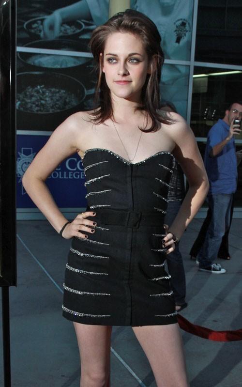 Kristen @ cinta Ranch premiere - June 23, 2010