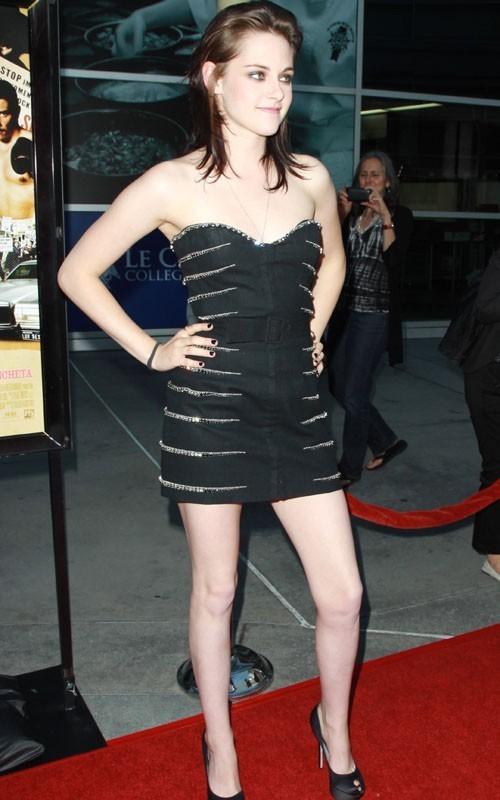 Kristen @ amor Ranch premiere - June 23, 2010
