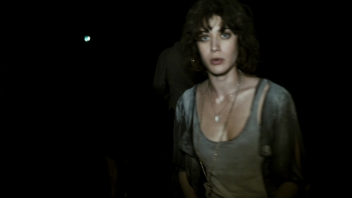 Lizzy Caplan wallpaper entitled Lizzy in Cloverfield