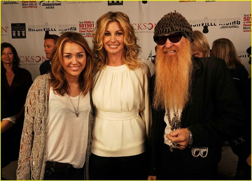 Miley @ Nashville Rising