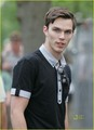 Nicholas Hoult at London's All England 테니스 Club