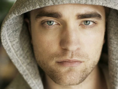 Robert Pattinson Works His Puppy-Dog Charm in 'TV Week'