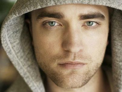 Robert Pattinson Works His Puppy-Dog Charm in 'TV Week'
