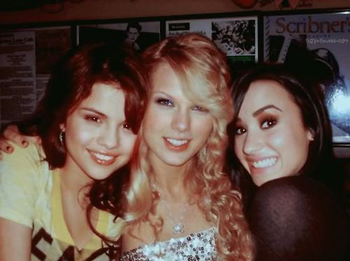 Selena With Taylor And Demi