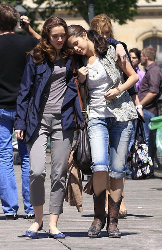 Selena on set of Monte Carlo 22.6.2010