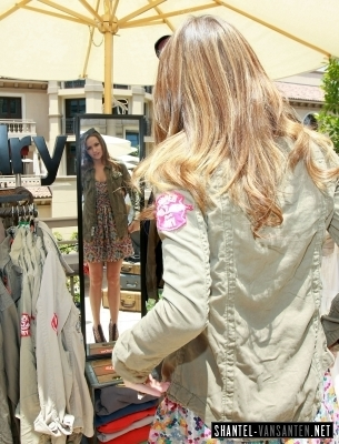 Shantel @ Kari Feinstein MTV Movie Awards Style Lounge