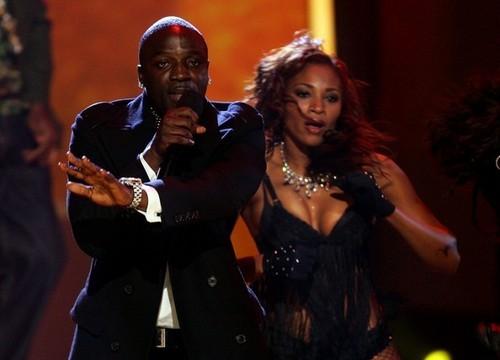 * AMAZING Akon *