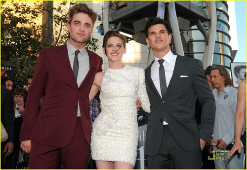 'ECLIPSE' WORLD PREMIERE
