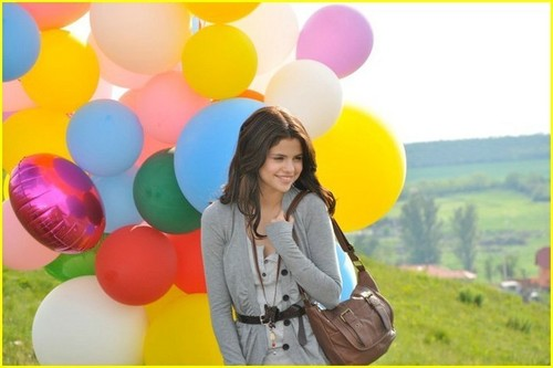 Behind-the-scenes shot from the Dream Out Loud foto shoot in Budapest earlier this maand