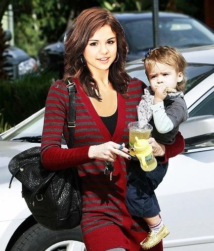Best Mommy Selena kwa AJ