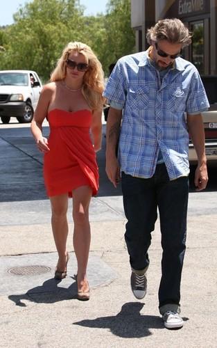 Britney&Jason out in LA