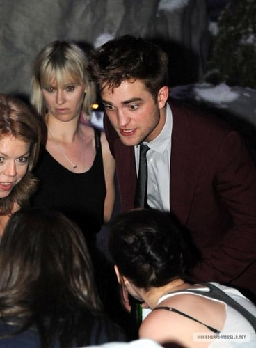Robert Pattinson & Kristen Stewart wallpaper called Eclipse LA After Party