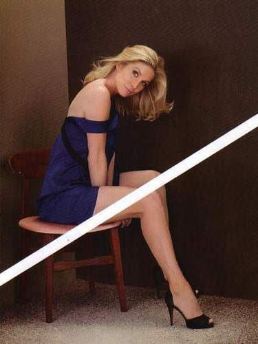 Lost wallpaper titled Elizabeth Mitchell- photoshoots- The Hollywood Reporter.