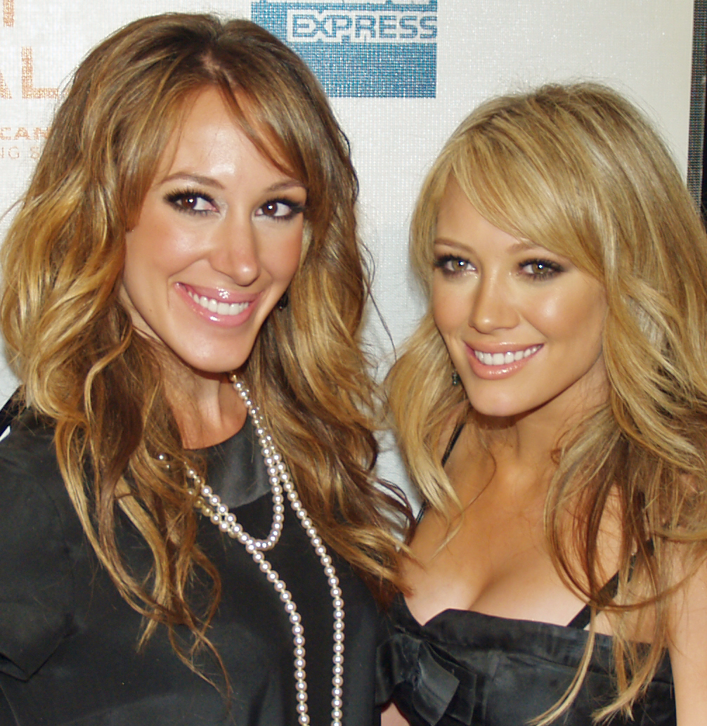HAYLIE DUFF AND HILARY DUFF - Hilary and Haylie Duff Photo ...