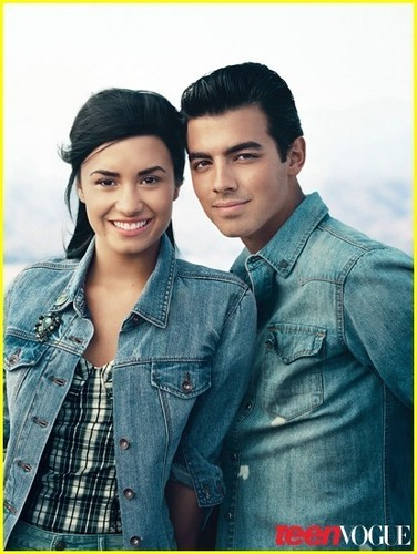 Joe Jonas & Demi Lovato Cover Teen Vogue!