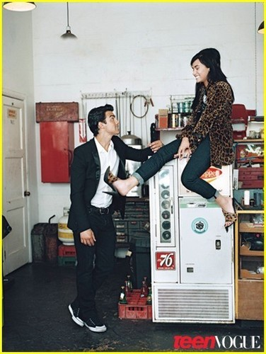 Joe Jonas & Demi Lovato Cover Teen Vogue!