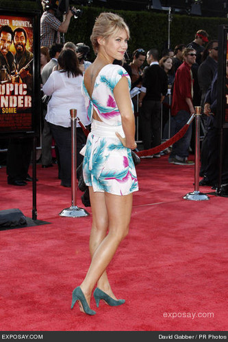 Laura @ Tropic Thunder premiere - 2008