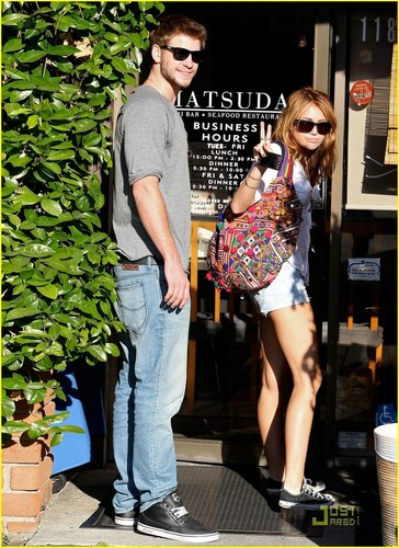 Miley&Liam out in LA