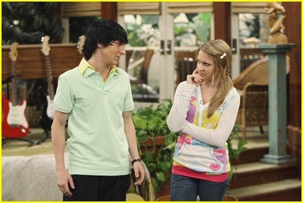 Hannah Montana Lilly And Oliver Are Hookup