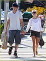 Reese Witherspoon: Whole Foods with Jim Toth!
