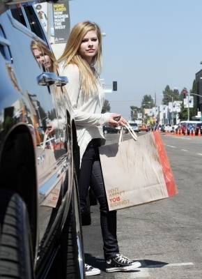Shopping at Melrose Avenue in Hollywood - 24.06.10
