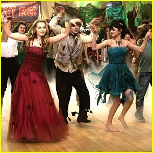 ZOMBIE DANCE!