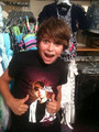 christian beadles wit a justin shirt!!