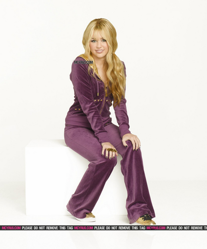 Miley Cyrus wallpaper titled hannah montana forever