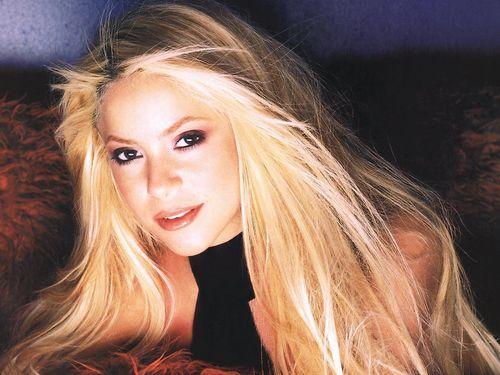 Shakira sexy big