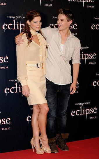 Ashley&Javier promote Eclipse in Madrid