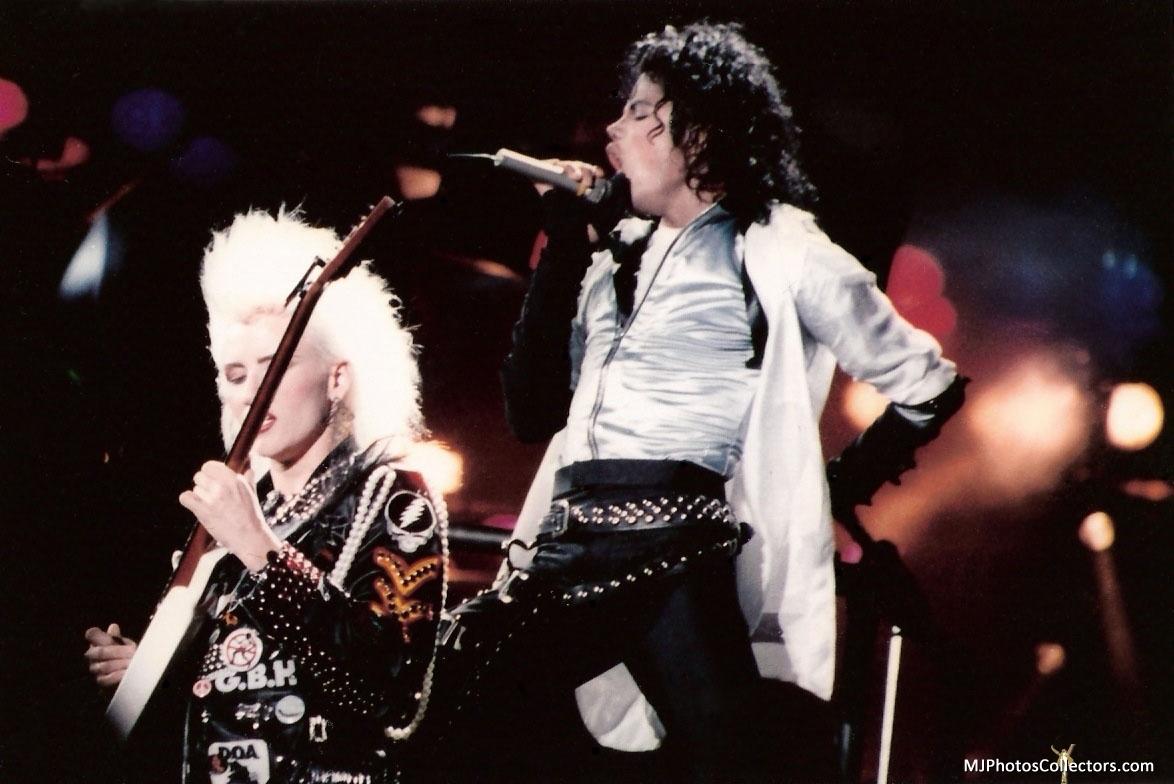 Bad Tour - Dirty Diana