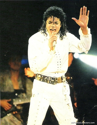 Bad Tour - Working 일 & Night