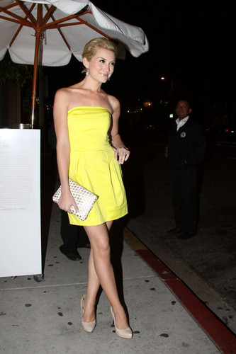Chelsea leaving Nobu in LA